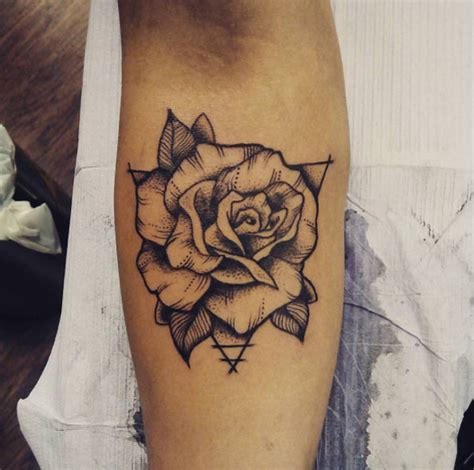 40 blackwork rose tattoos you ll instantly love tattooblend