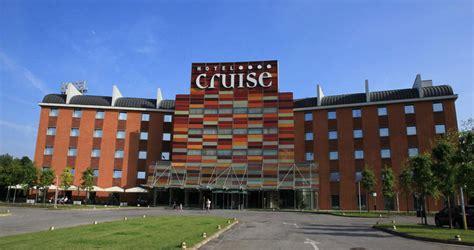 resort cruise quot hotel cruise quot