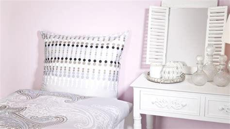 decoracion de mesitas de noche mesitas de noche un must para el dormitorio westwing