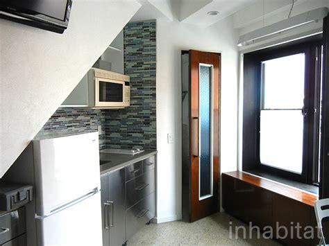 Tiny Nyc Apartment Photos Step Inside The Delta S Teeny Tiny Transforming