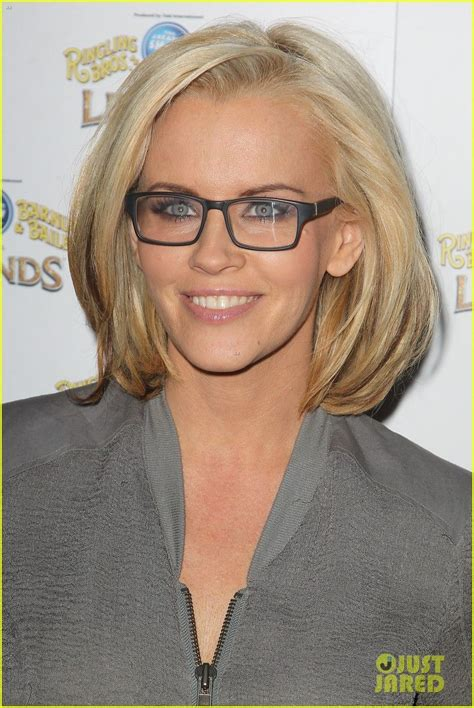 bob haircuts glasses i can t stand jenny mccarthy but i love the blonde bob