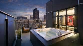 Hotels With Jacuzzi Bathtubs Modern Traveler Hip Hotels And Cool Trips Hard Rock