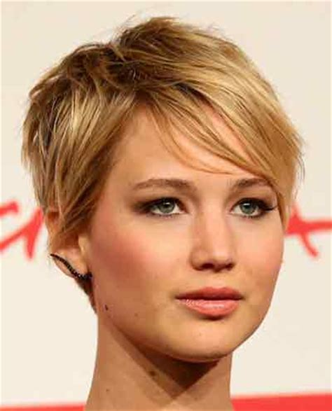 pixie cut hairstyle for women age mid30 s current hairstyles for in their 30s trendy short