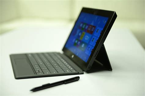 Komputer Tablet Microsoft Surface microsoft to support surface pro tablet until 2017 pcworld