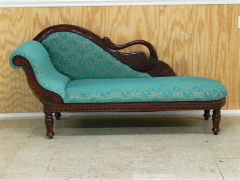swan fainting couch lot 130 swan back vintage style fainting couch chaise