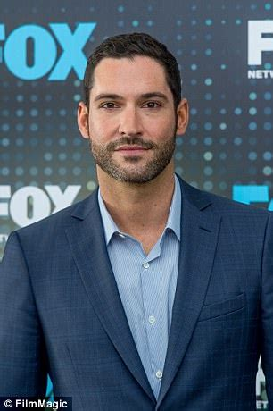 in a taxi with actor tom ellis daily mail online lucifer s tom ellis vows to boycott british airways again