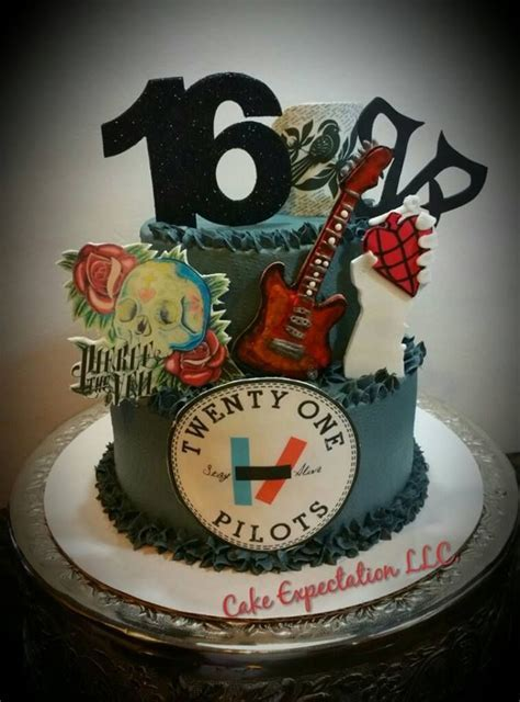 13 best Bvb cakes images on Pinterest   Anniversary cakes