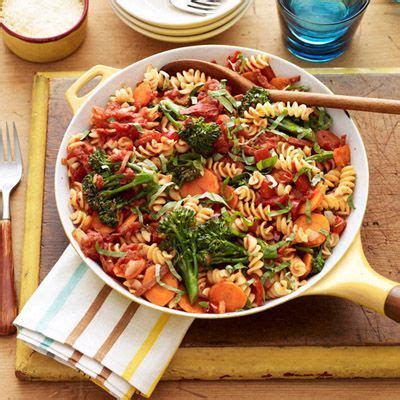 Light Green Veggie Pasta For Dinner by Rotini With Marinara Broccoli Carrots And Peppers