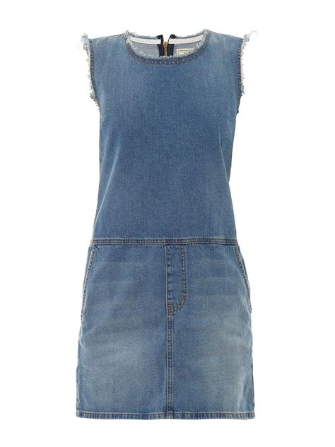 Copy Kirsten Dunsts Casual Unisex Look Thanks To Topshop And Outfitters by Kirsten Dunst S Denim Dress Style Popsugar Fashion