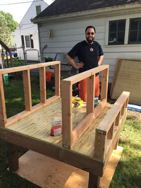 building a 4x4 coop backyard chickens