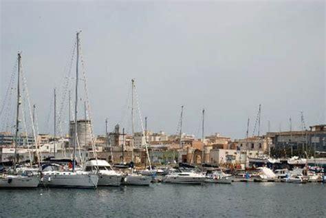maree porto levante marsala tp citt 224 vento turismo e ormeggi
