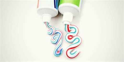 menghilangkan jerawat  pasta gigi odol
