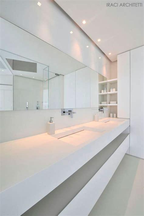Modern Bathroom Design White 17 Best Ideas About Modern White Bathroom On