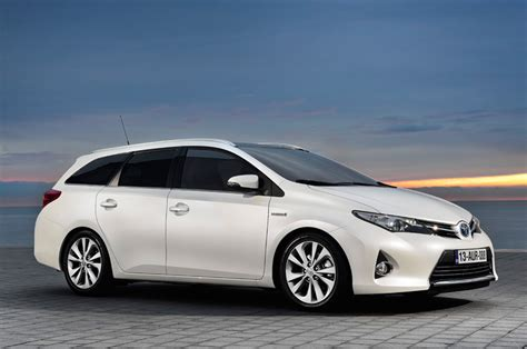 toyota auris toyota auris touring sports specs revealed autoevolution