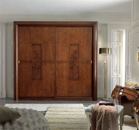 Wood Closet Doors For Bedrooms 23 Stylish Closet Door Ideas That Add Style To Your Bedroom Closet Doors Doors And Sliding
