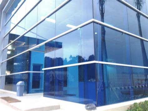 Kaca Biru jenis kaca dan aplikasi kaca