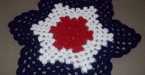 white chocolate strawberry double shell ripple round granny ripple free pattern by julie huston an