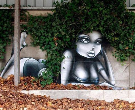 vegetal by nature when an artist is styling statues with graffiti v 233 g 233 tal quand le street art joue avec la nature