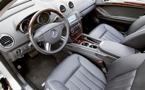 Mercedes Jeep Interior by 2006 Mercedes M Class Review Road Test Motor Trend