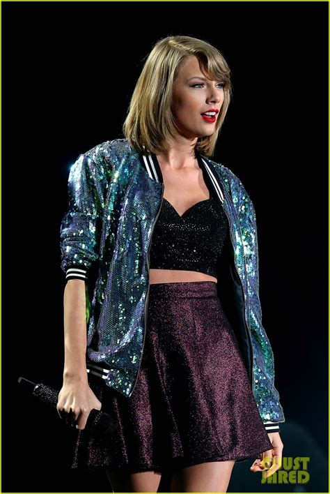 taylor swift tour employees taylor swift announces 1989 world tour film for apple