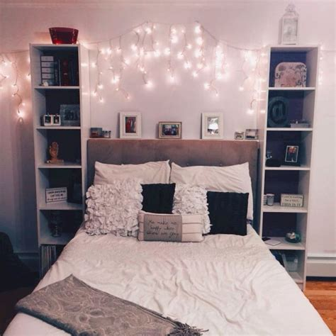 Apartment Bedroom Decorating Ideas by Best 25 College Apartment Bedrooms Ideas On