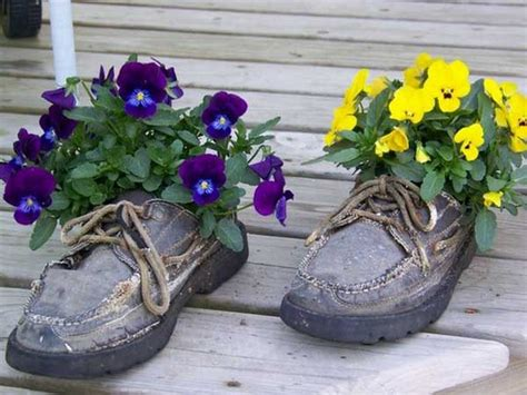 Recycled Planter Ideas by Ways To Recycle Shoes For Planters Recycled Things