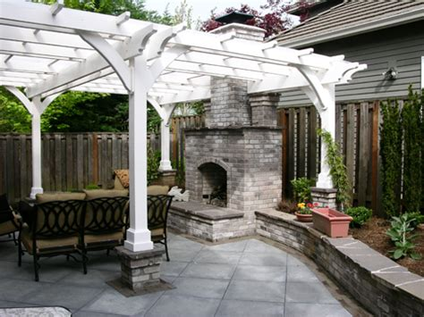 easy backyard makeovers the great backyard makeover creative garden spaces