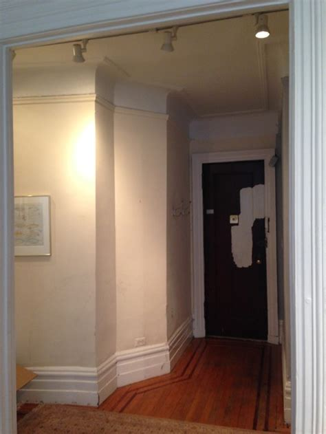 define foyer how do you define a skimpy foyer with paint color