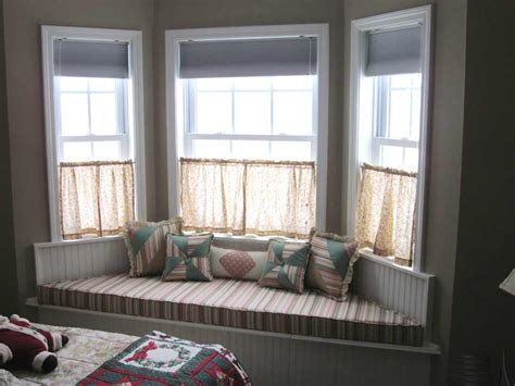 bay window pillows beautiful bay window decorating ideas for your