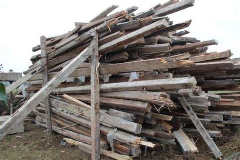 alte balken aufarbeiten alte balken aus eiche und nadelholz aus fachwerkhaus in