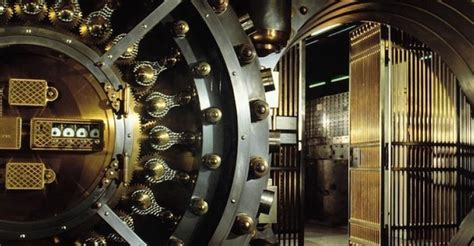 banche a rischio fallimento banche a rischio fallimento in crisi e pi 249 solide e