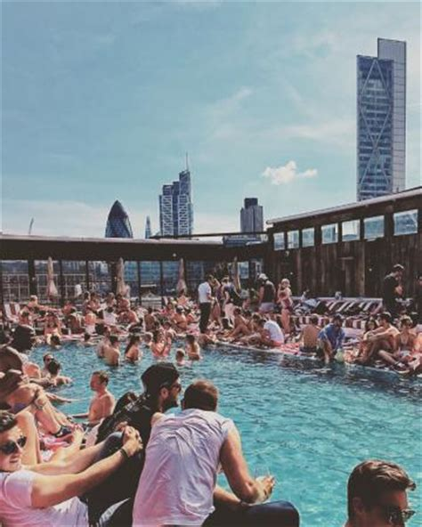 shoreditch house super rooftop pool with view on the london city picture