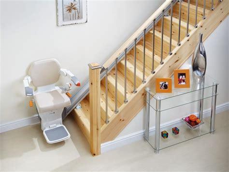sedia elettrica per salire le scale montascale centaurus montascale per disabili e anziani