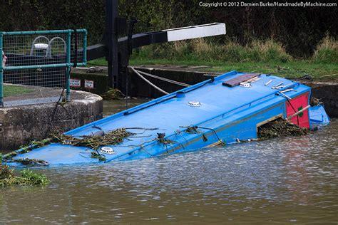 minecraft boat piston sunken narrowboat recovery on the nene page 1 boats