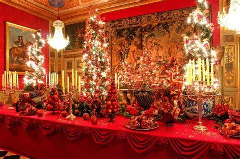 Ordinary Wishlist For Christmas #1: Pretty-christmas-table-setting-photo_1176266-770tall.jpg