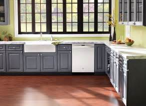 Kitchen Cabinet Magazine by Choosing The Right Kitchen Cabinets Consumer Reports