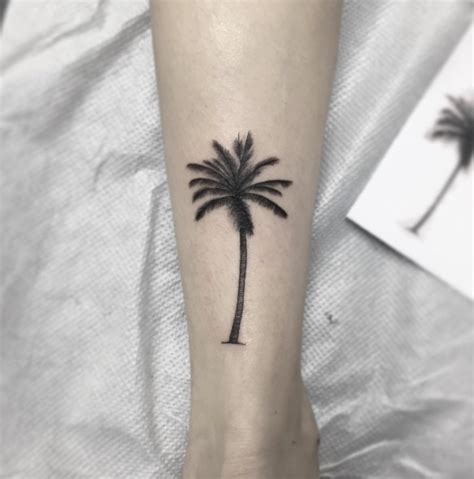 palm tattoo designs 38 alluring palm tree designs tattooblend