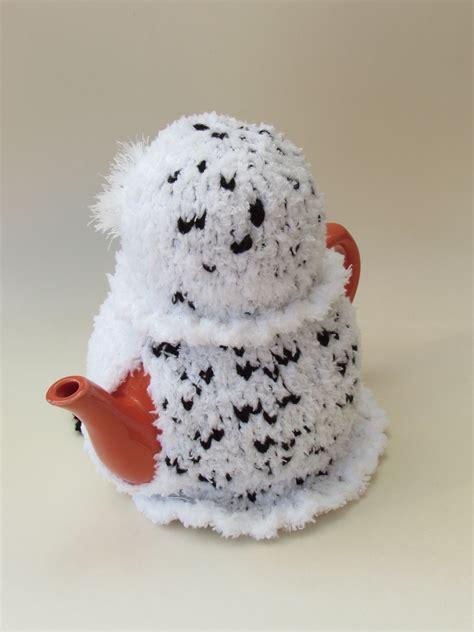 snowy owl knitting pattern snowy owl tea cosy knitting pattern