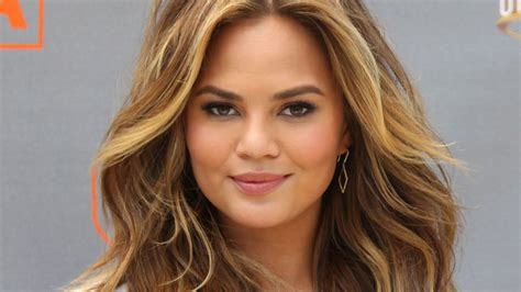 chrissy teigen stretch marks body image and rum today com