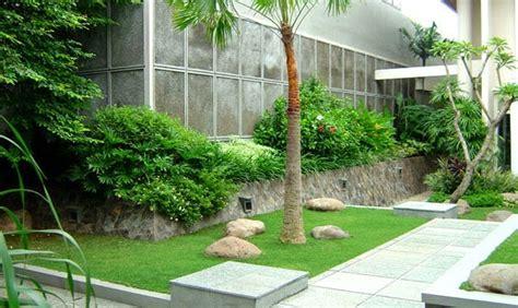 gambar inspirasi taman minimalis samping rumah desain