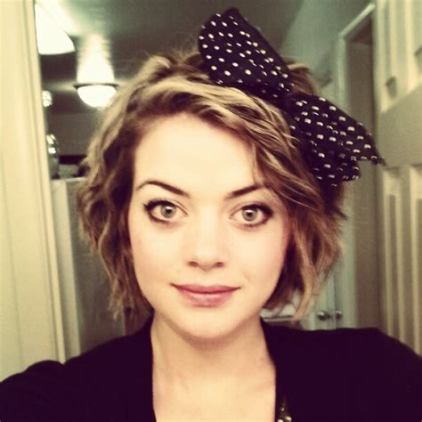 the 80s and hair bows short hair with a big 80 s bow party i love the 80 s