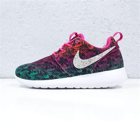 Nike Roshe Run Floral 2015 nike roshe run print quot gradient floral quot