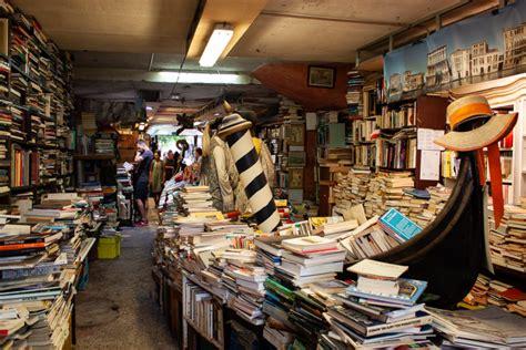 libreria acqua alta venice offbeat the libreria acqua alta bookstore in
