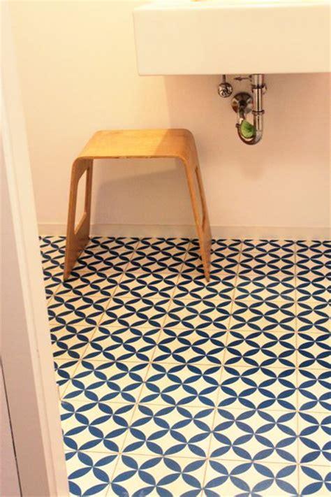 badezimmer 90 er jahre die 25 besten ideen zu retro badezimmer auf