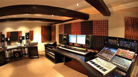 Top 10 Best Studio Monitor Speakers For DJs   EDMDroid