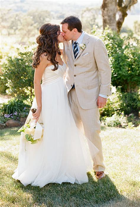 bridal hairstyles to suit dress wedding hair to suit strapless dress