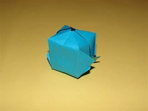 How To Make A Paper Blimp - how to make an origami balloon