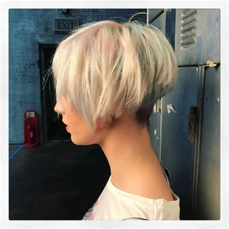 bob hairstyles image gallery 10 layered bob hairstyles look fab in new blonde shades