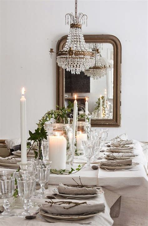beautiful dining room display vintage crystal chandelier vintage house tjejkvaell beautiful tablescapes pinterest rustic wood