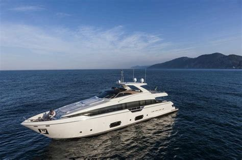 motor jacht luxury yachts luxury yacht charter superyacht news